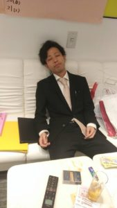 神田キャバクラ【ムーミン(mu-minn)】東京JK制服ラウンジ マキタスぐったり