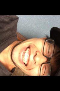 神田キャバクラ【ムーミン(mu-minn)】東京JK制服ラウンジ マキタス横に倒れる