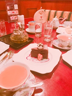 神田キャバクラ【ムーミン(mu-minn)】東京JK制服ラウンジ ちょこ 女子会